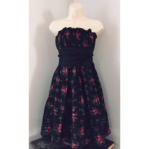 BETSEY JOHNSON Sz 2 Silk Floral Prom Strplss Dress